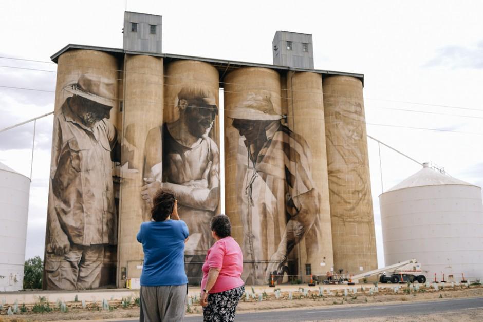 Mural le devuelve la vida a pueblo abandonado de Australia 3