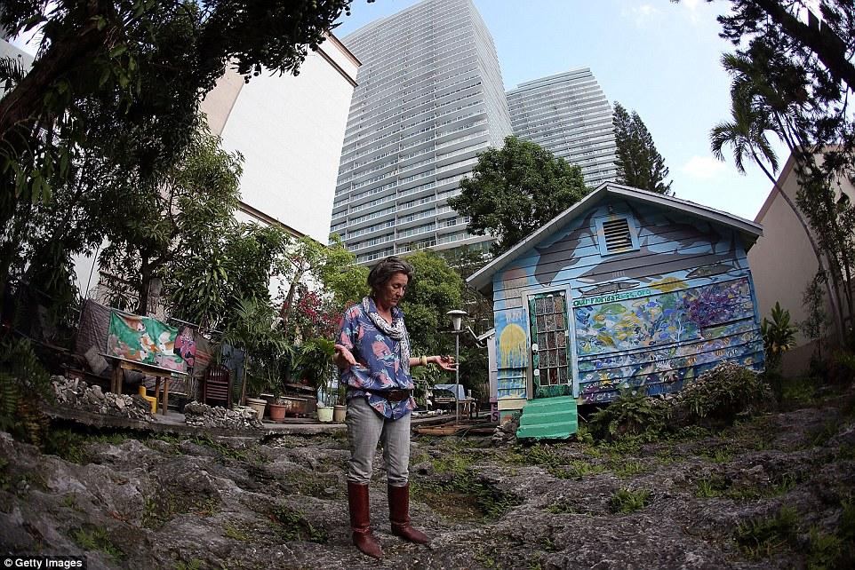 Nativo americano se rehúsa a vender su casa por considerarla tierra sagrada 04