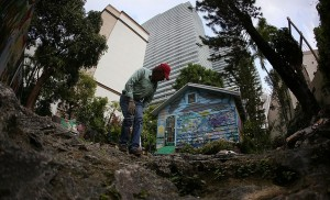 Nativo americano se rehúsa a vender su casa por considerarla tierra sagrada