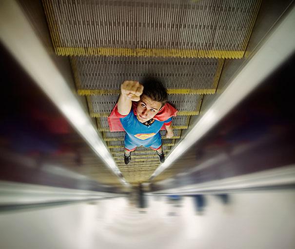 Surrealistas fotos que juegan con la perspectiva 16