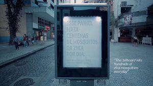 Un billboard que imita el sudor humano para atrapar y matar a los mosquitos del Zika