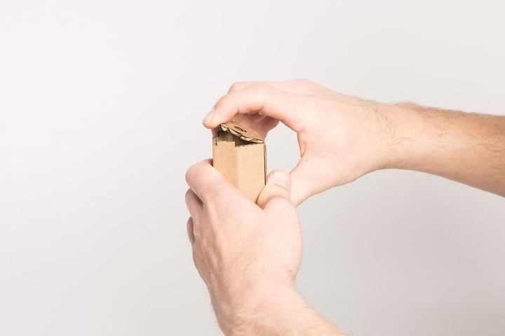 Una caja de pizza con un segundo uso muy particular 03