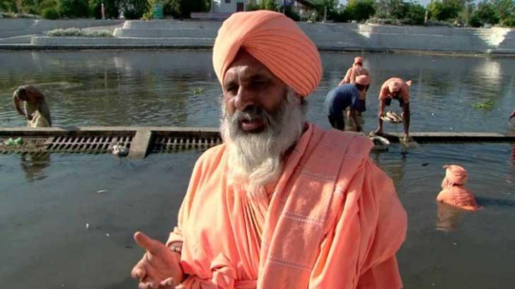 el hombre que limpio todo un rio con sus propia manos7