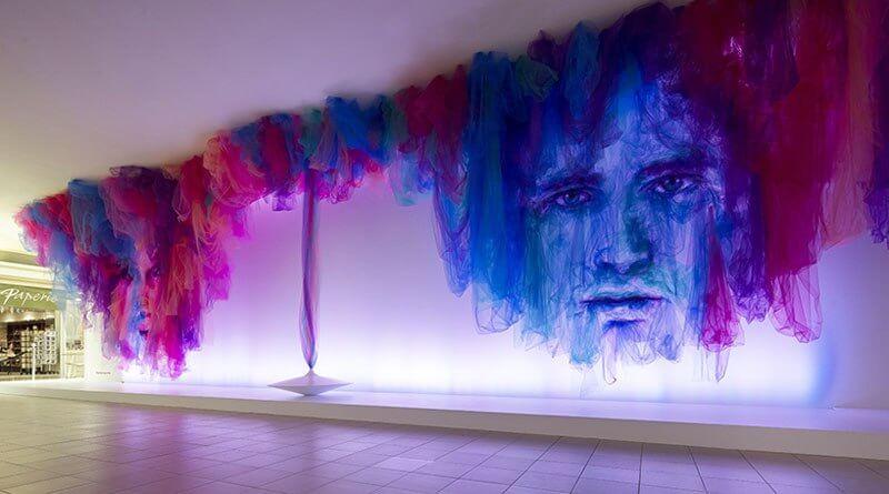 Benjamin Shine, el artista que le da vida a la tela