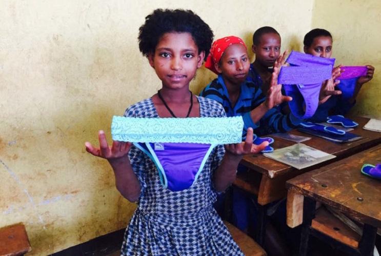 Esta colombiana ha cambiado la vida de millones de niñas en el mundo 02