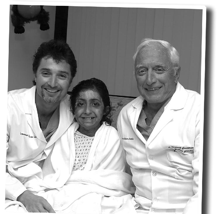 A la izquierda el Dr Peter