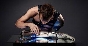 Este gamer con el brazo amputado recibirá la prótesis más alucinante que hay