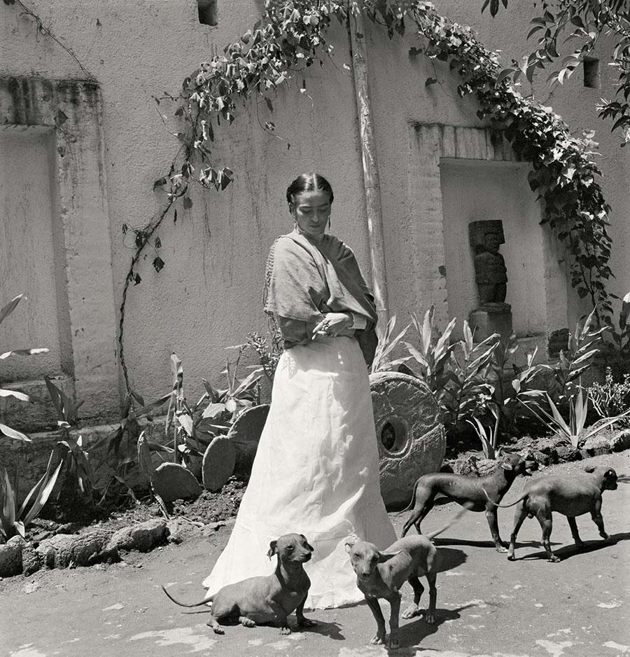 Fotografías inéditas de Frida Kahlo poco antes de su muerte 08