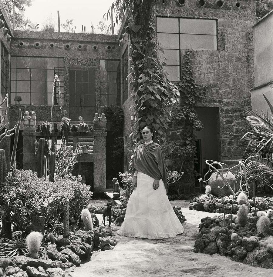 Fotografías inéditas de Frida Kahlo poco antes de su muerte 11