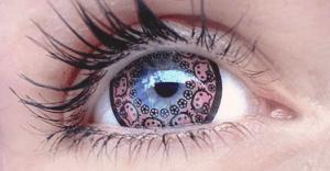 Estos lentes de contacto de Hello Kitty te fascinarán