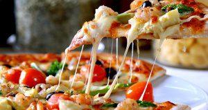 ¿Amante de las pizzas? Te encantará saber de que otras maneras puedes comerla