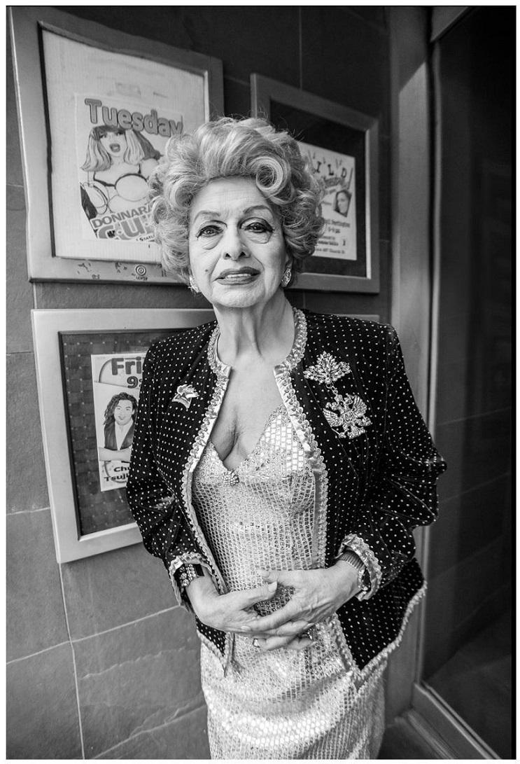 conoce a la drag queen más vieja del mundo 6