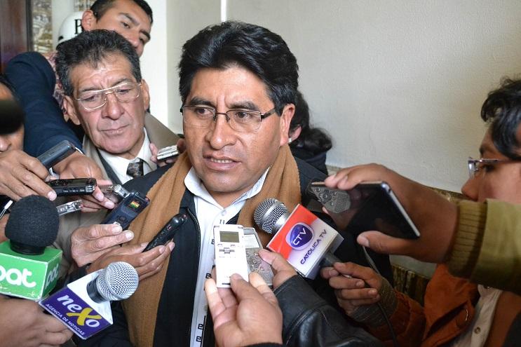 Bill Gates donó 100 mil gallinas y ¡Bolivia las rechazó! - César Cocarico