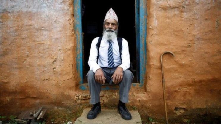 Conoce la ejemplar historia del hombre que decidió terminar la escuela a los 68 años 09