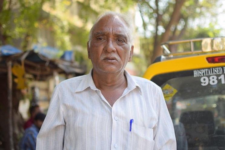 Descubre que llevó a este hombre de 75 años a dejar su trabajo y convertirse en taxista 01