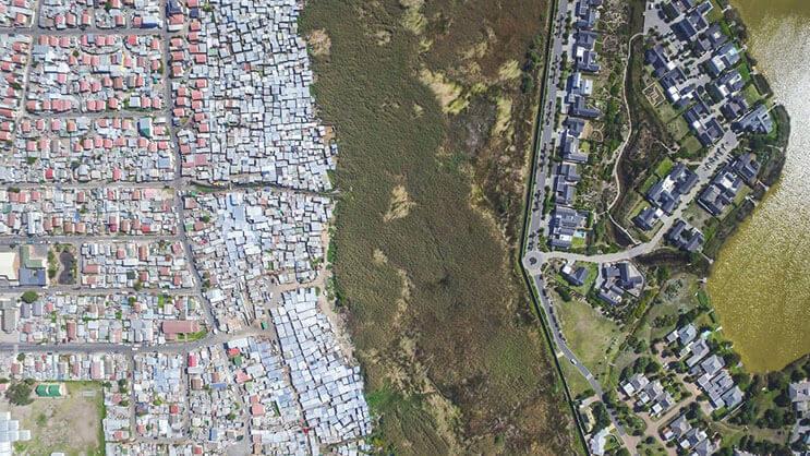 El impactante límite entre ser rico y pobre en África 03