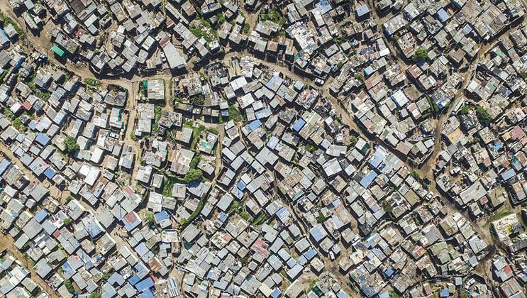 El impactante límite entre ser rico y pobre en África 08