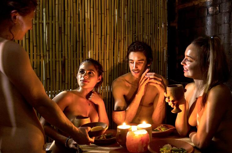El principal requisito para ingresar a este restaurante es estar desnudo - The Bunyadi 2