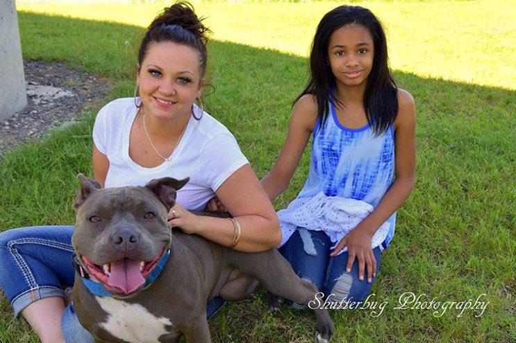 Esta niña con Asperger fue separa de su perro de ayuda hace 1 año. Ahora buscan nuevo hogar 06