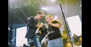 Marc Anthony cumplió sueño de niño con síndrome de Down luego de invitarlo a cantar