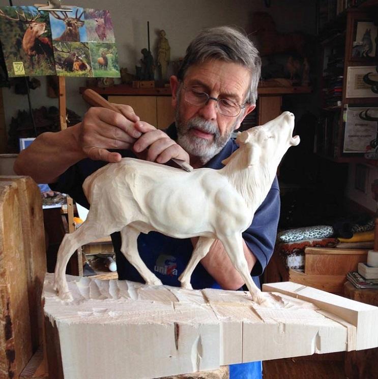 Mira los asombrosos animales que este artista crea empleando madera 08
