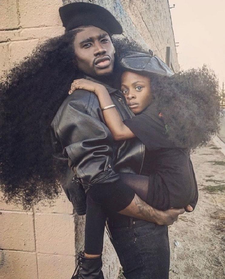 Padre e hija hacen el dúo perfecto por sus peinados en común