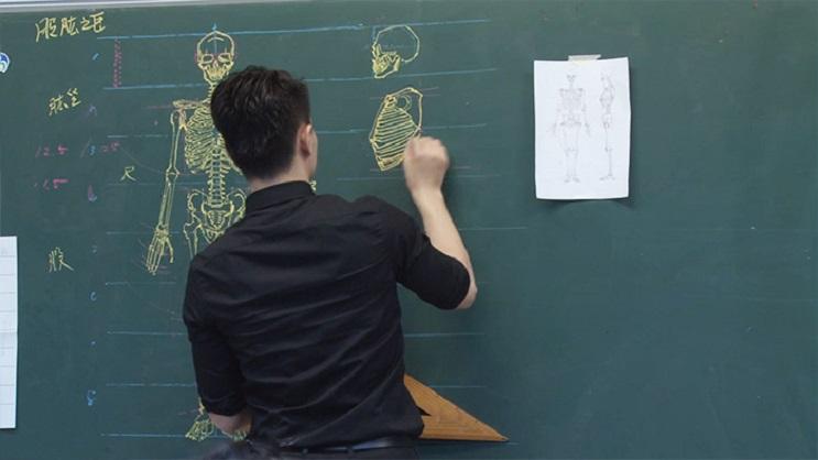 Quedarás impresionado con los espectaculares gráficos con los que enseña este profesor 04
