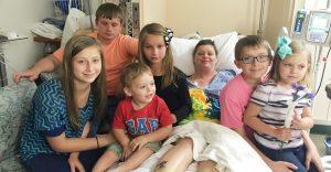 Su mejor amiga falleció y ella decidió adoptar a sus seis hijos
