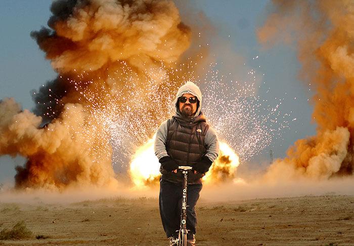 Tyrion Lannister montando un scooter desata la más grande batalla de Photoshop en Internet 06