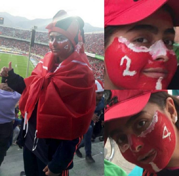 Una mujer iraní ingresó a un estadio de fútbol pese a ley que lo prohíbe  4