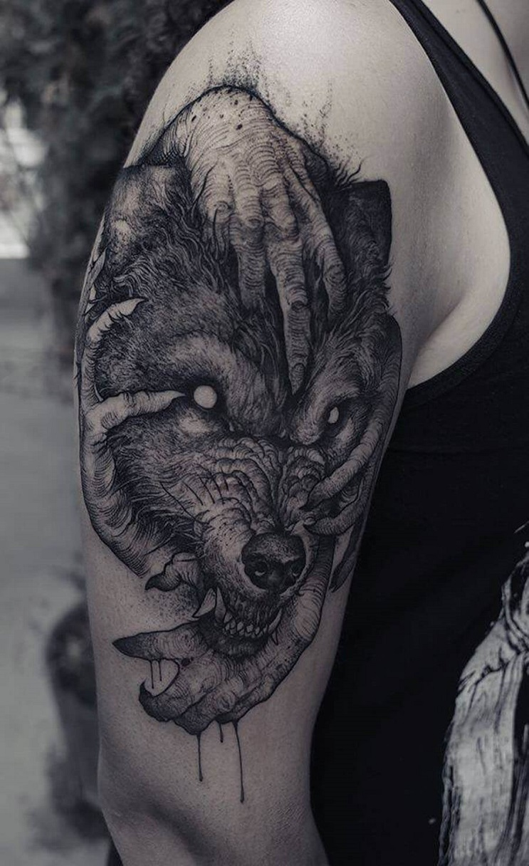 Vuélvete loco con estos radicales y monstruosos tatuajes 03