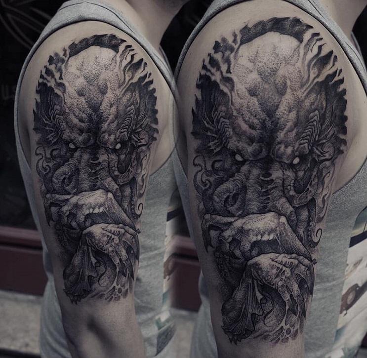 Vuélvete loco con estos radicales y monstruosos tatuajes 06