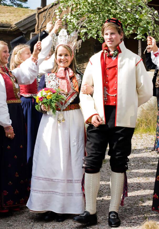15 trajes de bodas de distintos lugares del mundo noruega