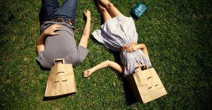 36 preguntas que pueden hacer que dos desconocidos se enamoren