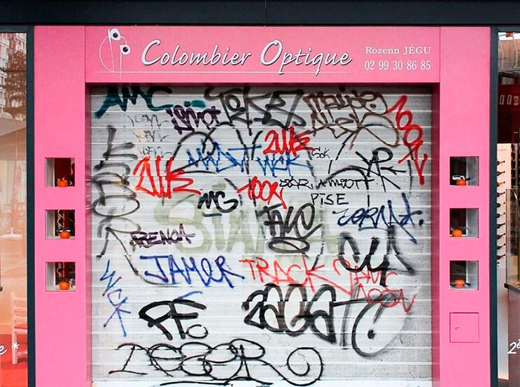 Artista callejero transforma graffiti en hermosas frases 5