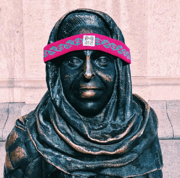 Coloridos tejidos a crochet invaden las calles de Estocolmo 7