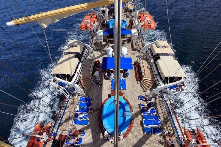 Conoce por dentro al barco de vela más grande del mundo 04