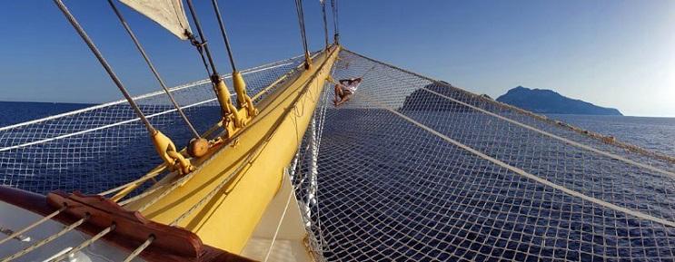 Conoce por dentro al barco de vela más grande del mundo 06