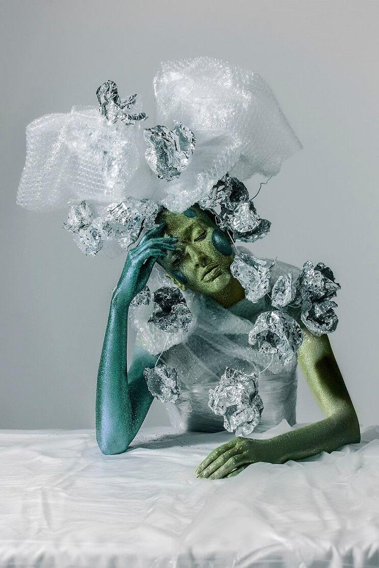 Convierten materiales reciclables en verdaderas obras de arte 06