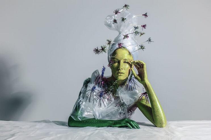 Convierten materiales reciclables en verdaderas obras de arte 07