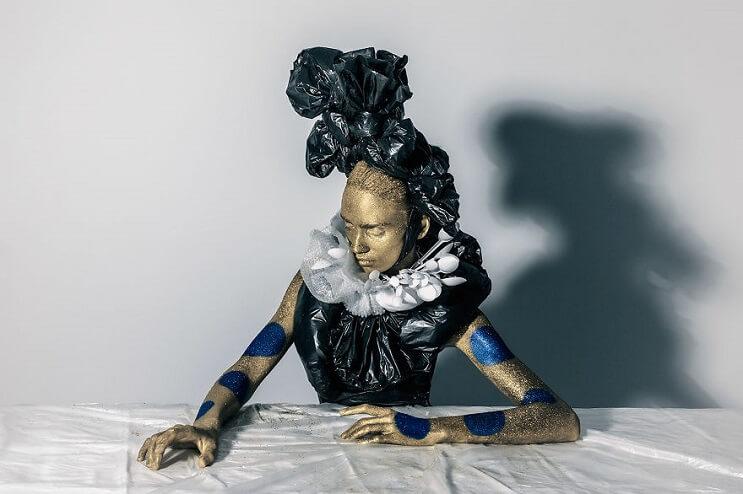 Convierten materiales reciclables en verdaderas obras de arte 08