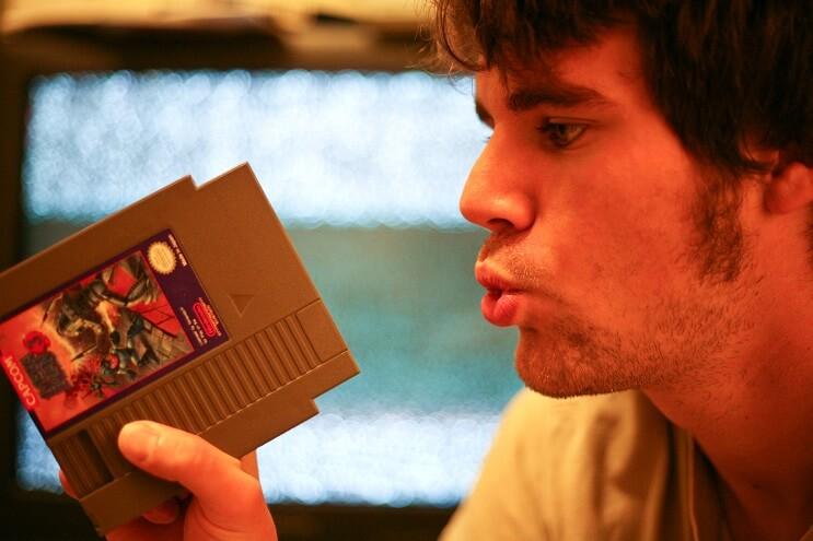 Desmintiendo un mito soplar los cartuchos de Nintendo arreglaba el juego 1