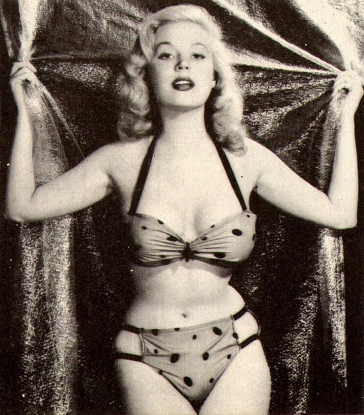 El revolucionario bikini cumple 70 años 2