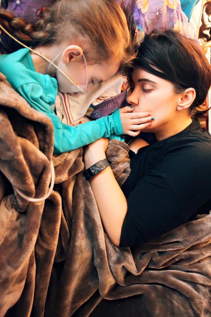 El tributo a esta niña de 7 años que murió de cáncer es realmente conmovedor - Katherine King 29