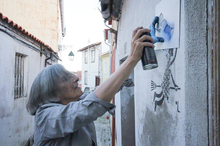 Estas adorables abuelas han encontrado en el graffiti su pasión 03