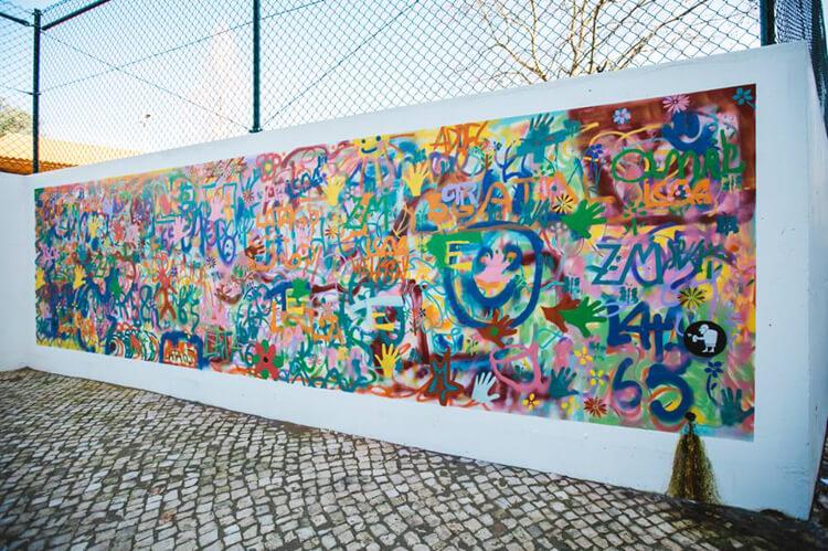 Estas adorables abuelas han encontrado en el graffiti su pasión 07