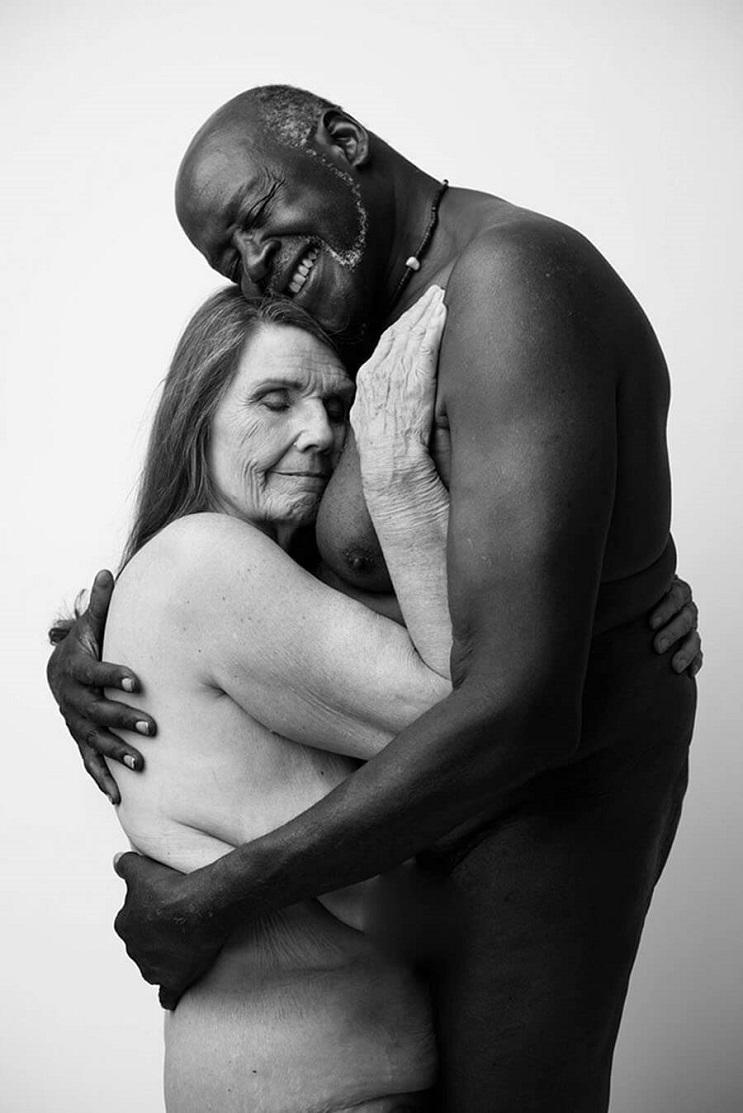 Estas fotografías artísticas del desnudo de una pareja dio la vuelta a Internet 02