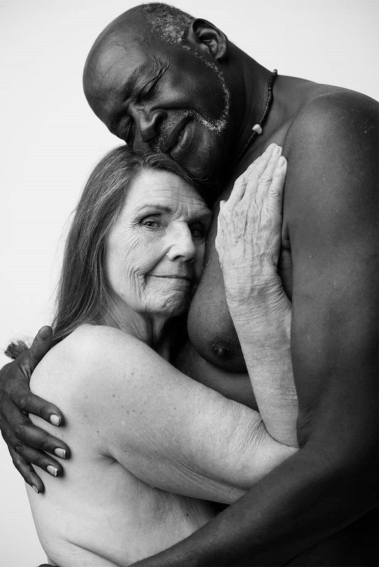 Estas fotografías artísticas del desnudo de una pareja dio la vuelta a Internet 04