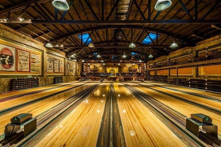 Este bowling te parecerá el más lujoso que has visto en tu vida 5