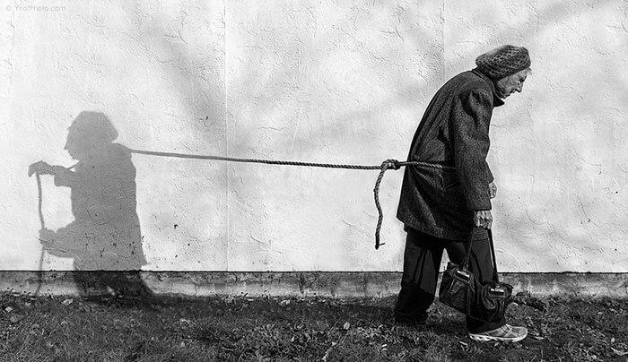 Este fotógrafo hizo de su madre de 91 años parte de su trabajo logrando una nueva visión de la vida 01
